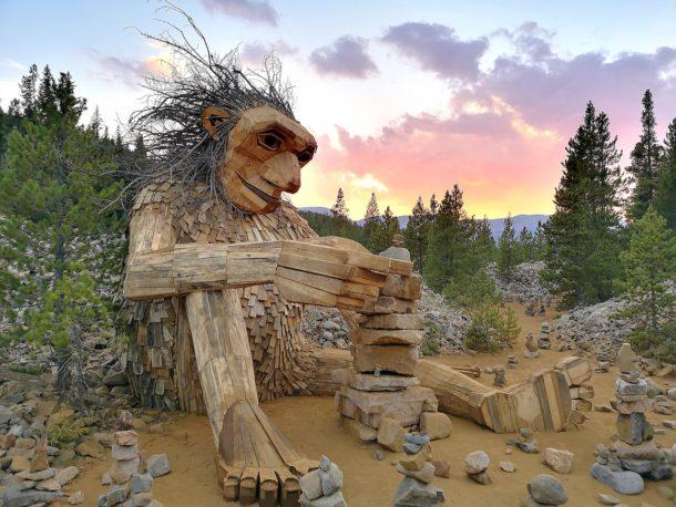 upcycling-sculpture-troll-thomas-dambo